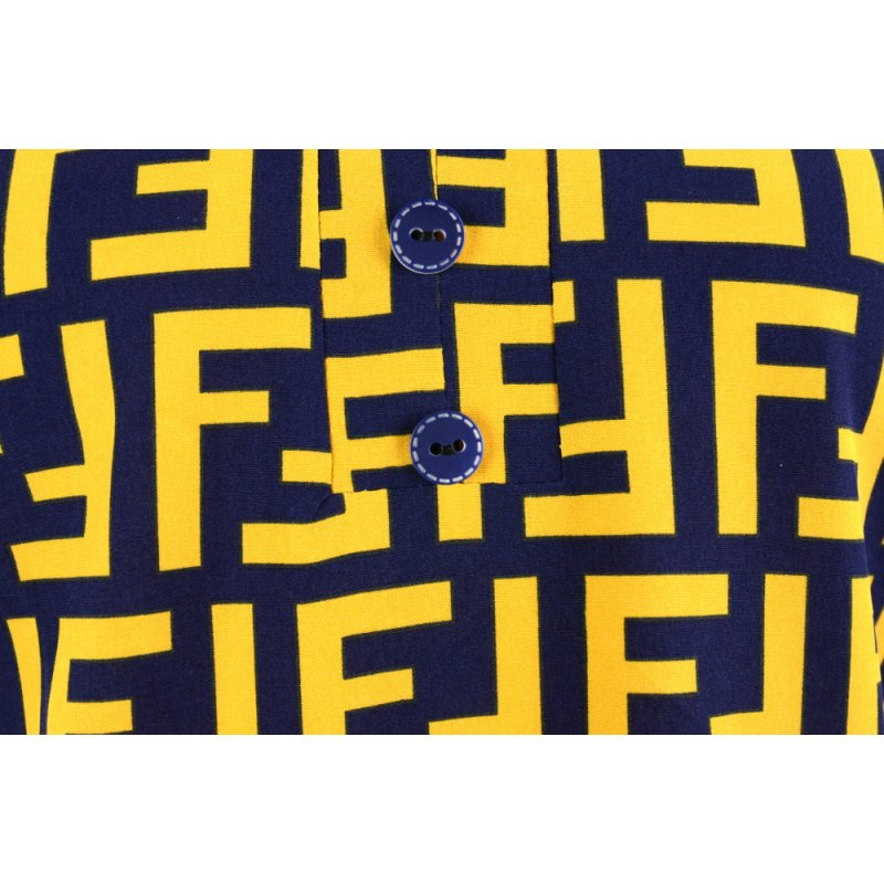 Bluzka damska z guziczkami - żółte napisy Bluzka młodzieżowa
