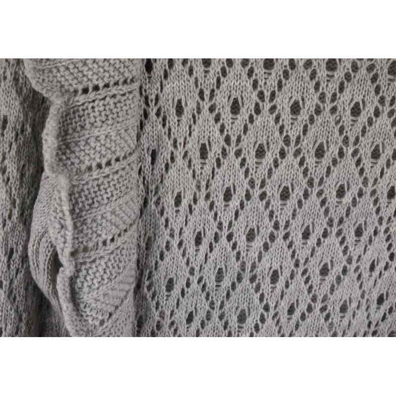 Ażurowy Sweter Damski z falbanką - szary