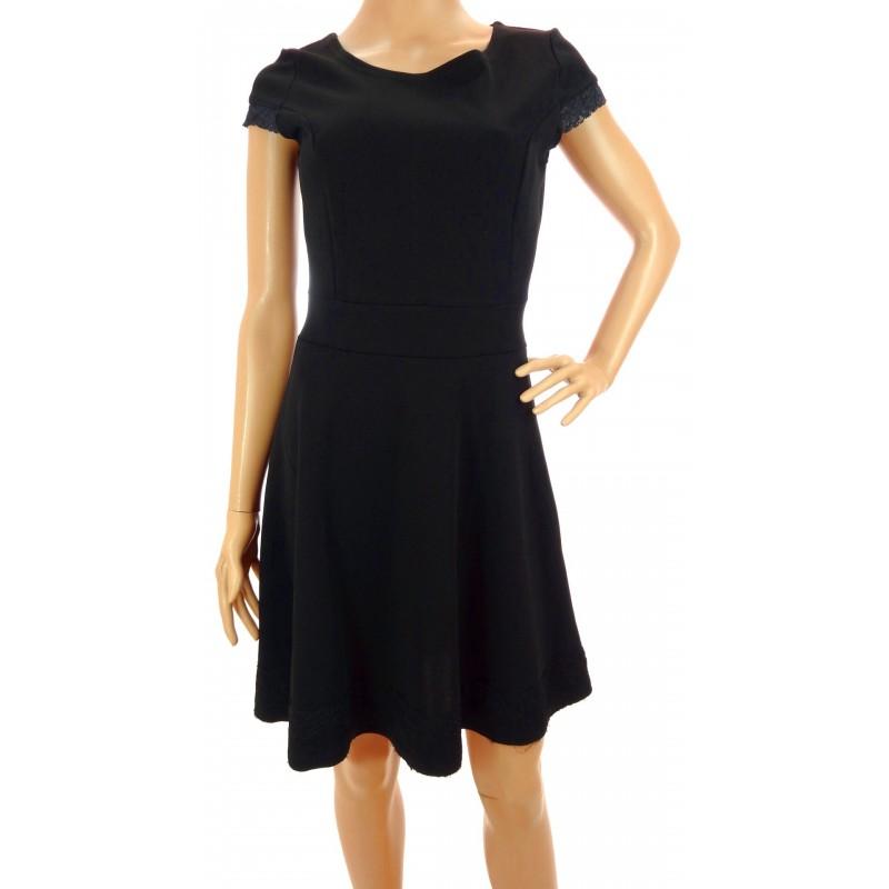 Sukienka z koronką (czarna)