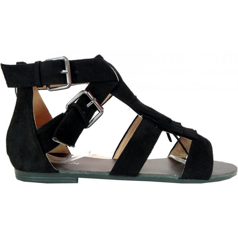 Płaskie sandały z frędzlami